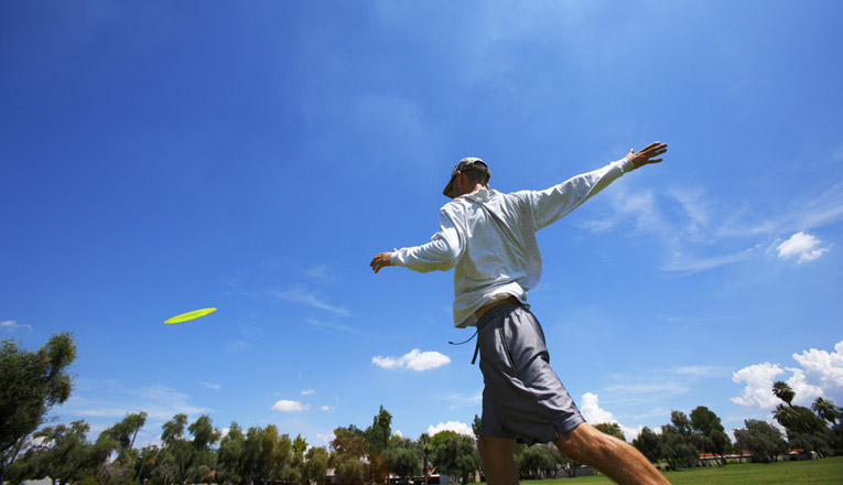 how to throw disc golf driver straight